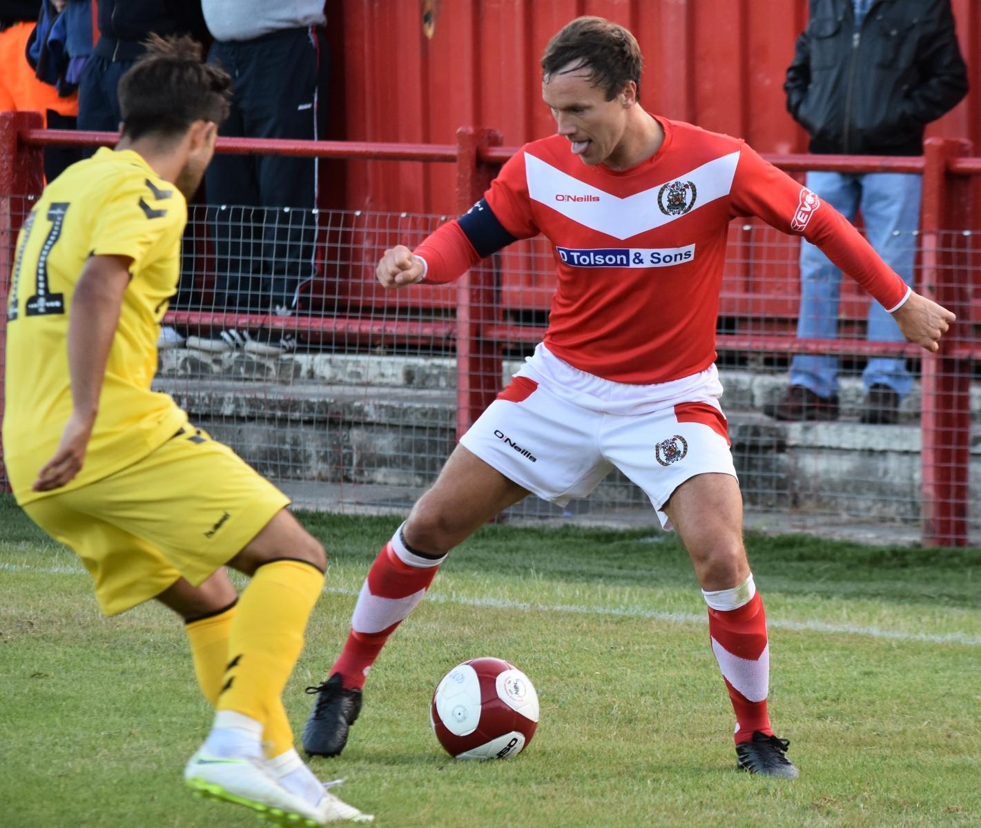 Gari-Rowntree-Ben-Challis-vs-Fleetwood