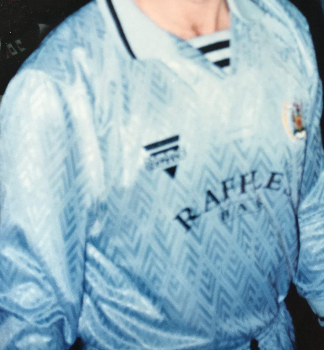 1993-94 Away (Hero)