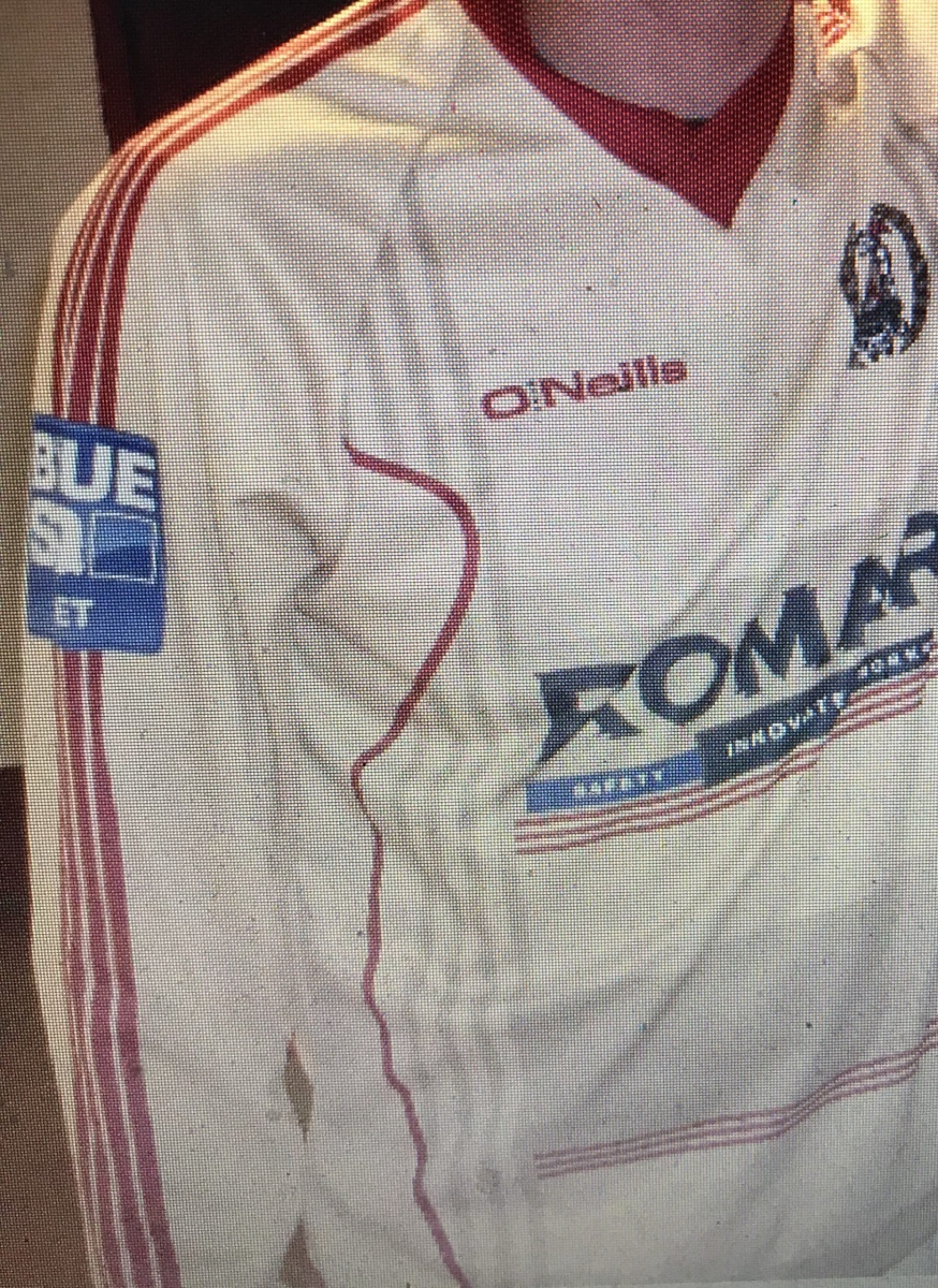 2012-13 Away (O'Neills)
