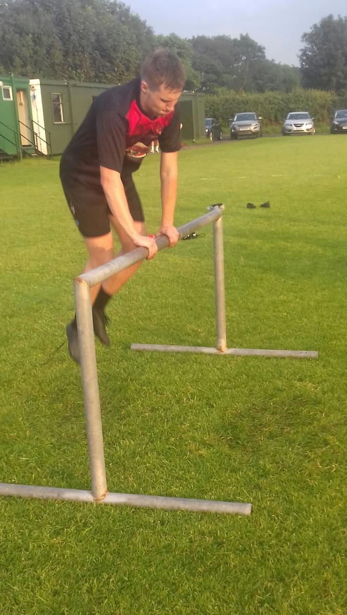 Hurdle-Ceiran-Casson-makes-it-look-easy