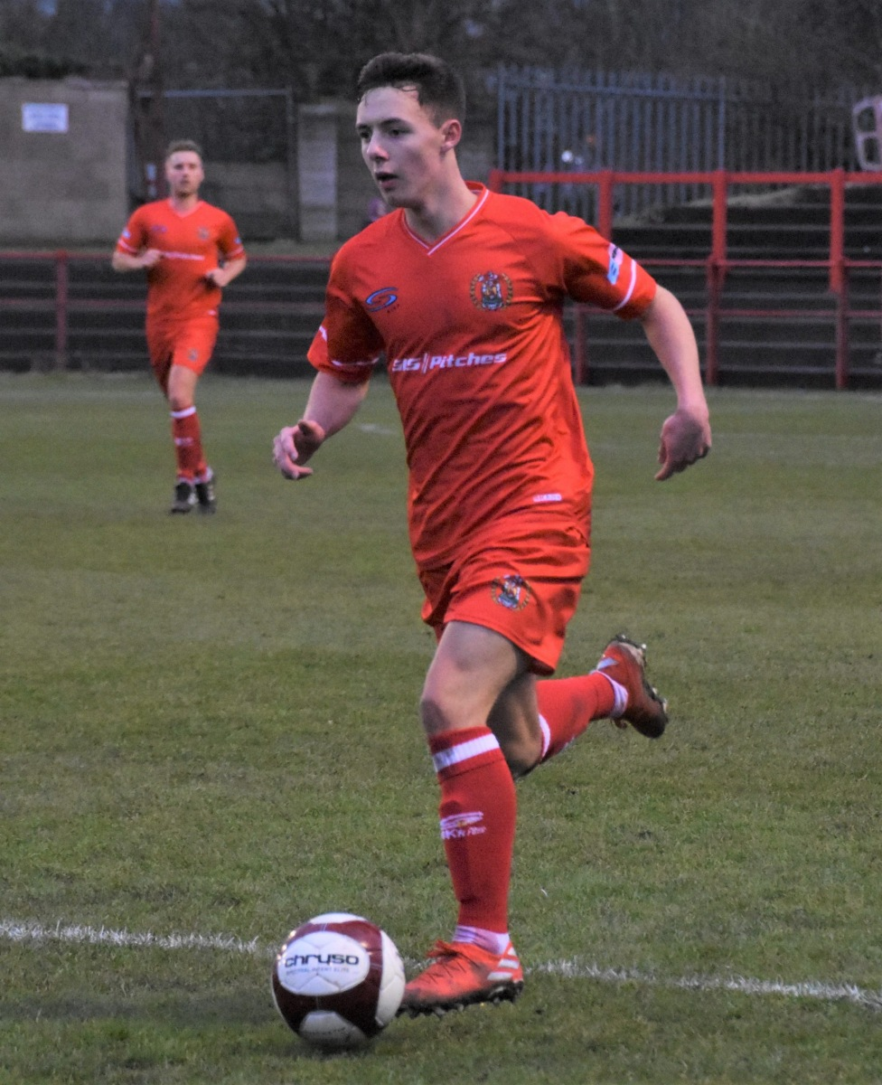 Workington-Reds-v-Farsley-Celtic-Ben-Challis-14-scaled