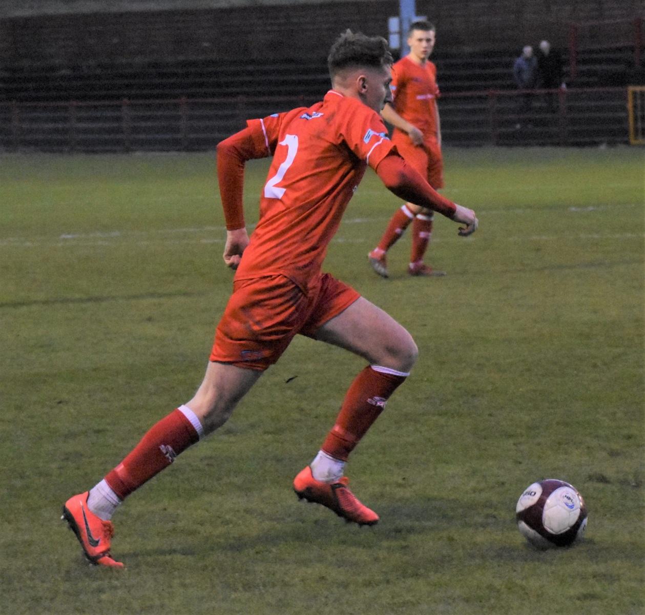 Workington-Reds-v-Farsley-Celtic-Ben-Challis-16-scaled