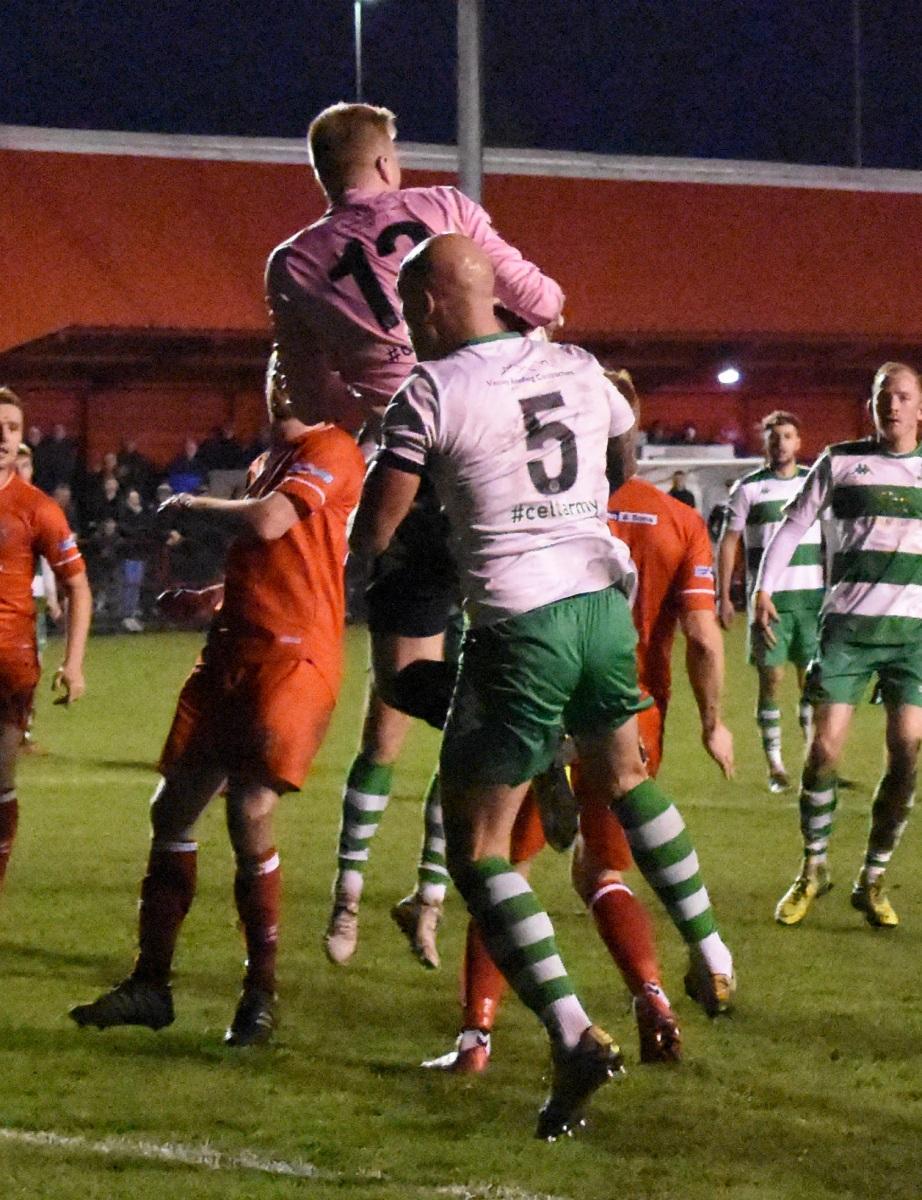 Workington-Reds-v-Farsley-Celtic-Ben-Challis-19