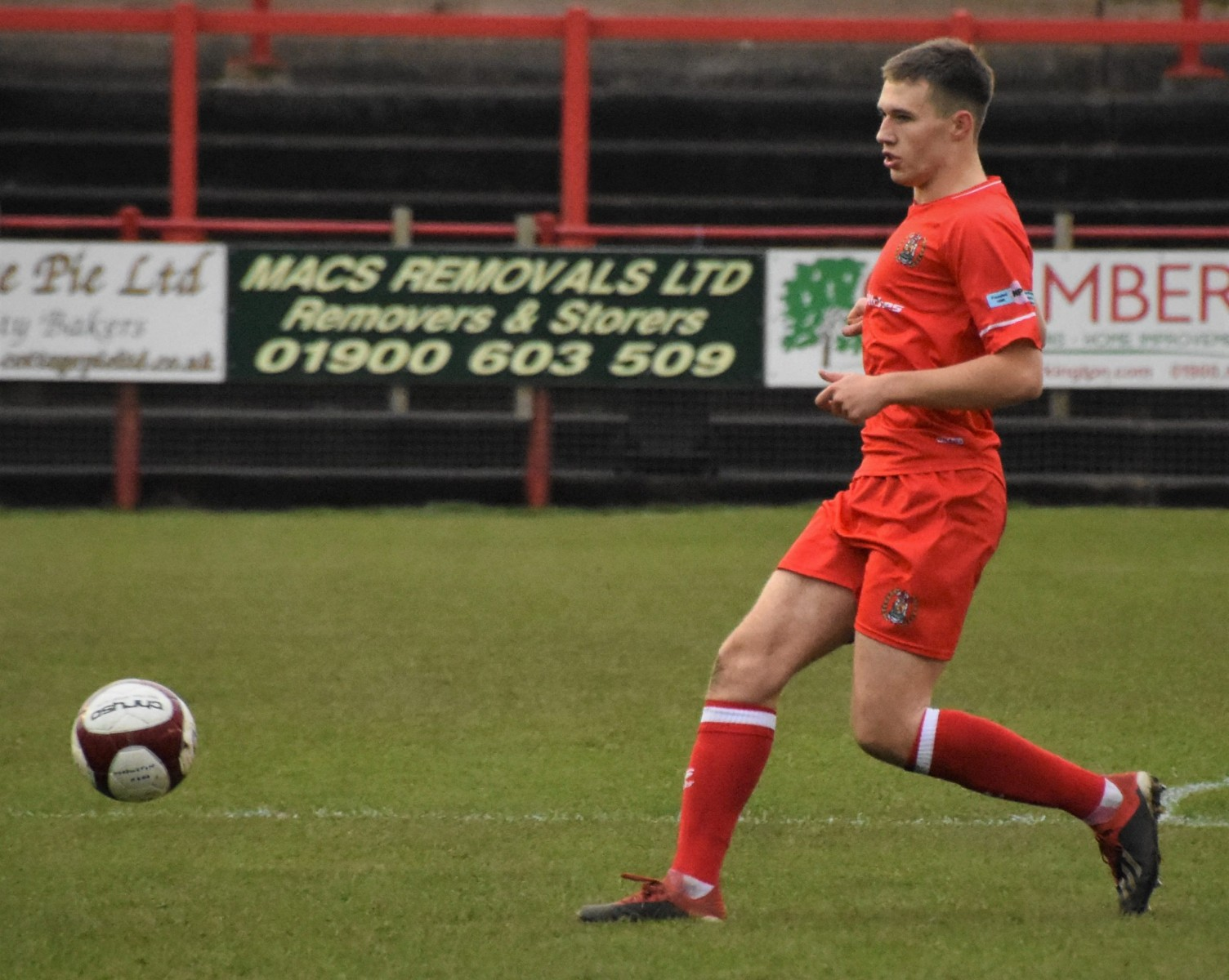 Workington-Reds-v-Farsley-Celtic-Ben-Challis-5-scaled