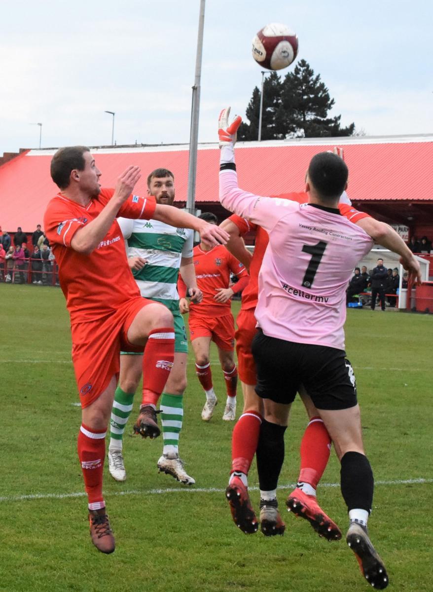 Workington-Reds-v-Farsley-Celtic-Ben-Challis-7-scaled
