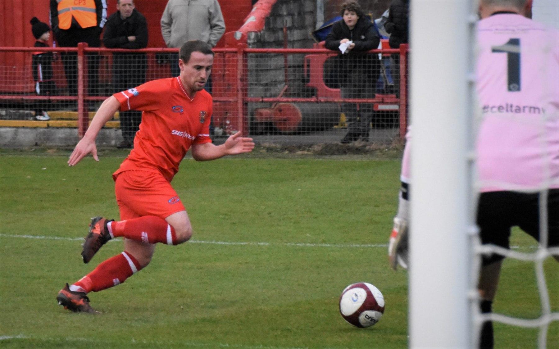 Workington-Reds-v-Farsley-Celtic-Ben-Challis-8-scaled