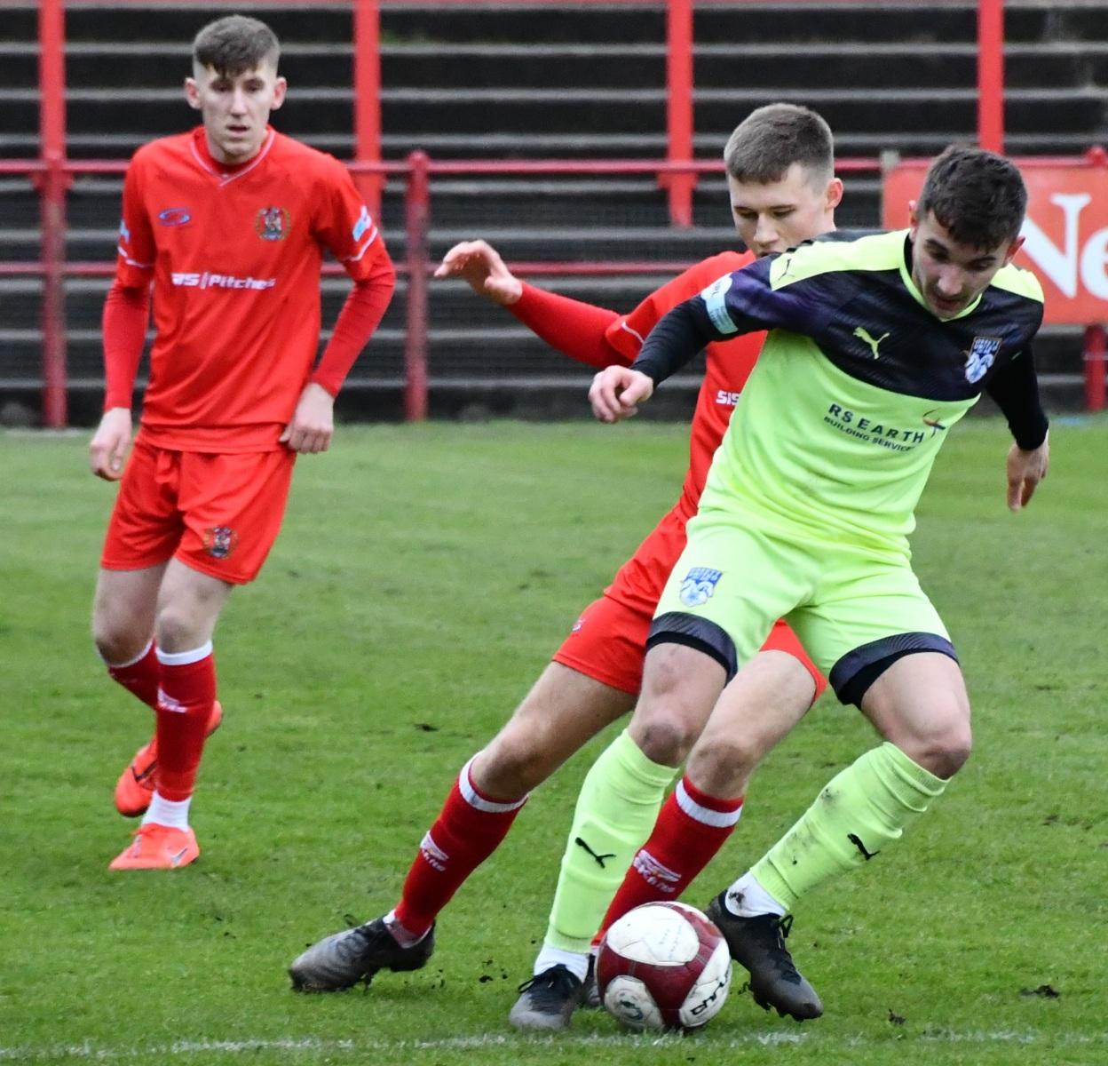 Workington-Reds-v-Ossett-Utd-Ben-Challis-10