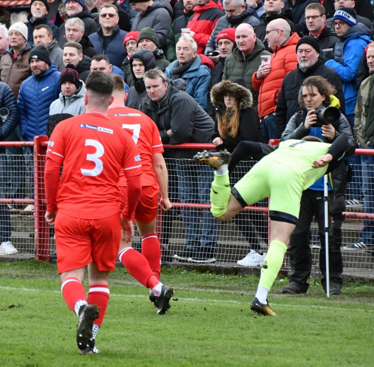 Workington-Reds-v-Ossett-Utd-Ben-Challis-14-scaled