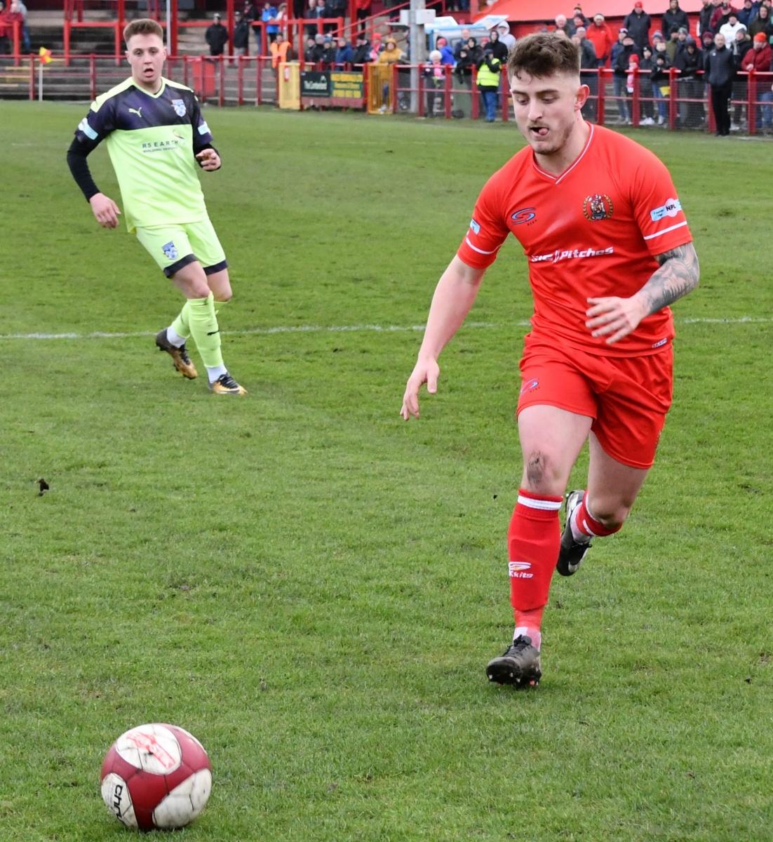 Workington-Reds-v-Ossett-Utd-Ben-Challis-16