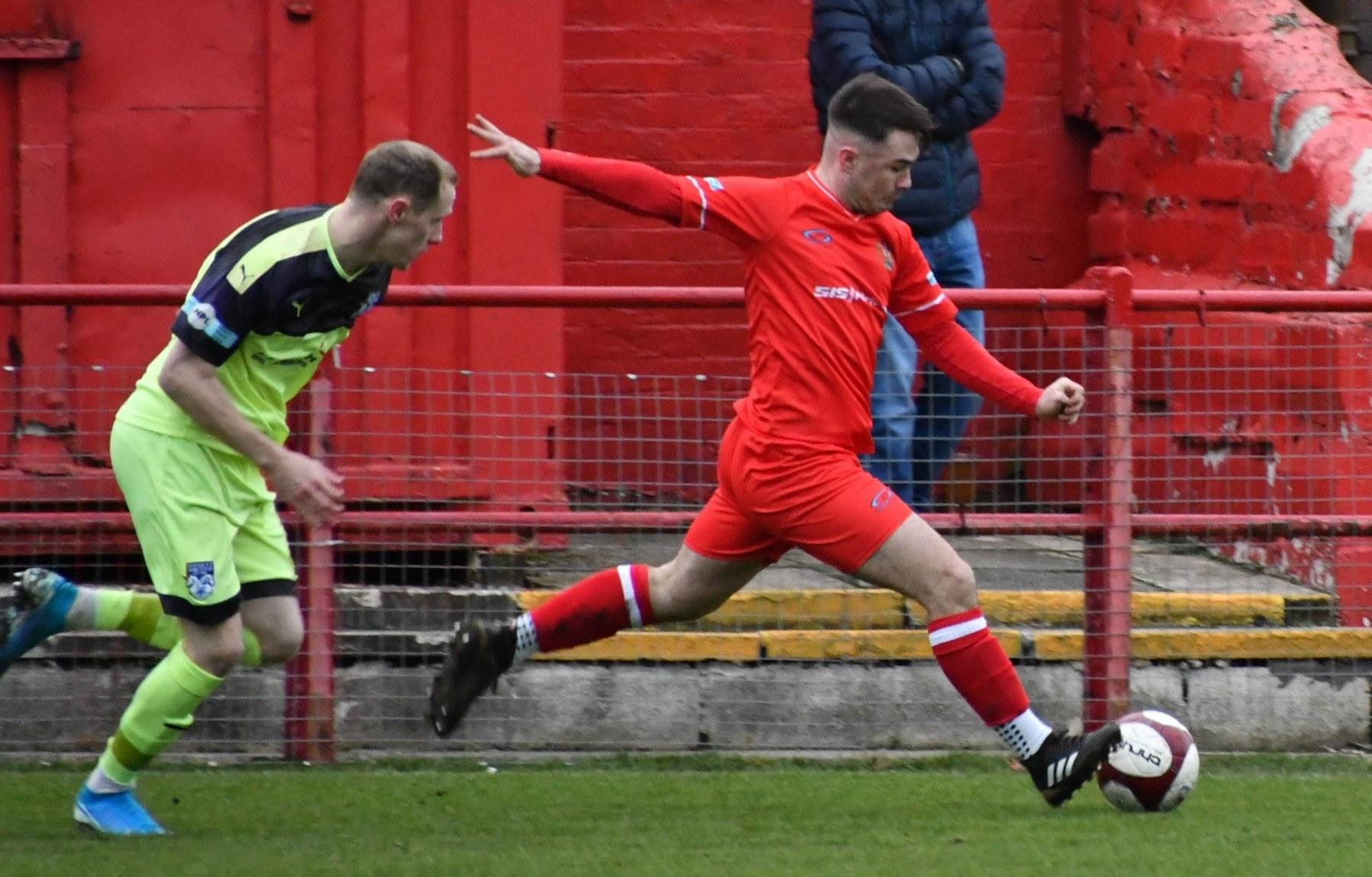 Workington-Reds-v-Ossett-Utd-Ben-Challis-6-scaled
