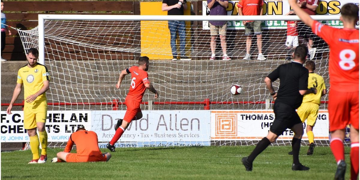 Brad-Carroll-goal-v.-Widnes