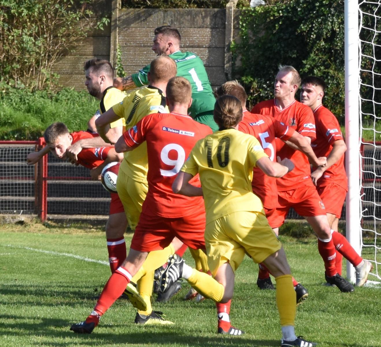 Workington-Reds-v-Widnes-Ben-Challis-14