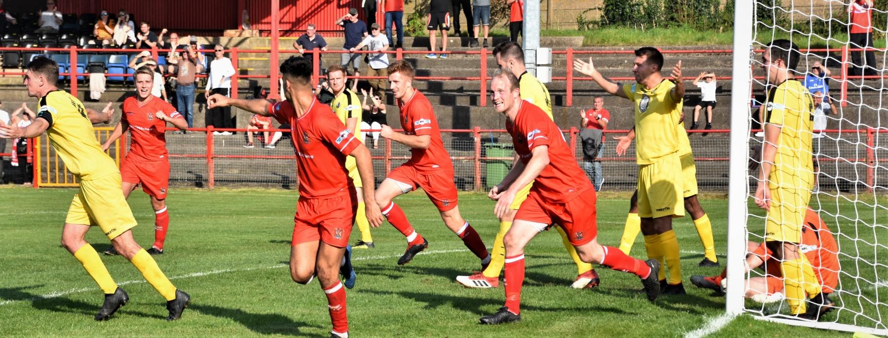 Workington-Reds-v-Widnes-Ben-Challis-21