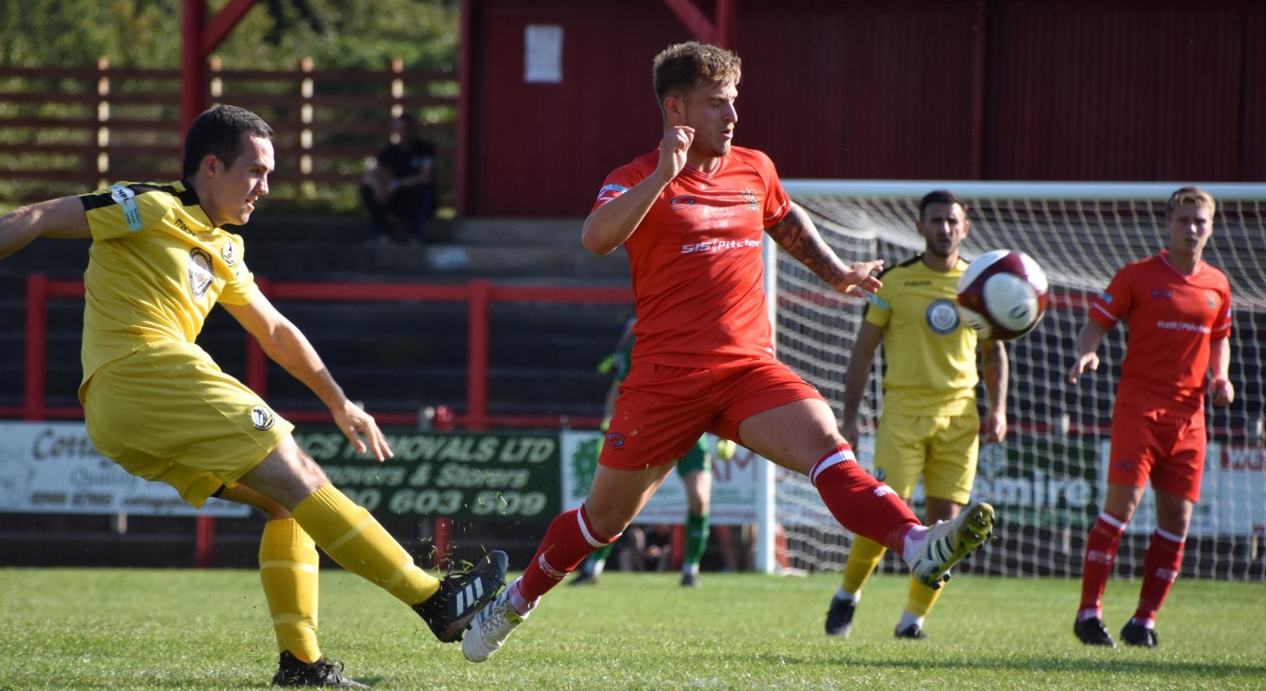 Workington-Reds-v-Widnes-Ben-Challis-5