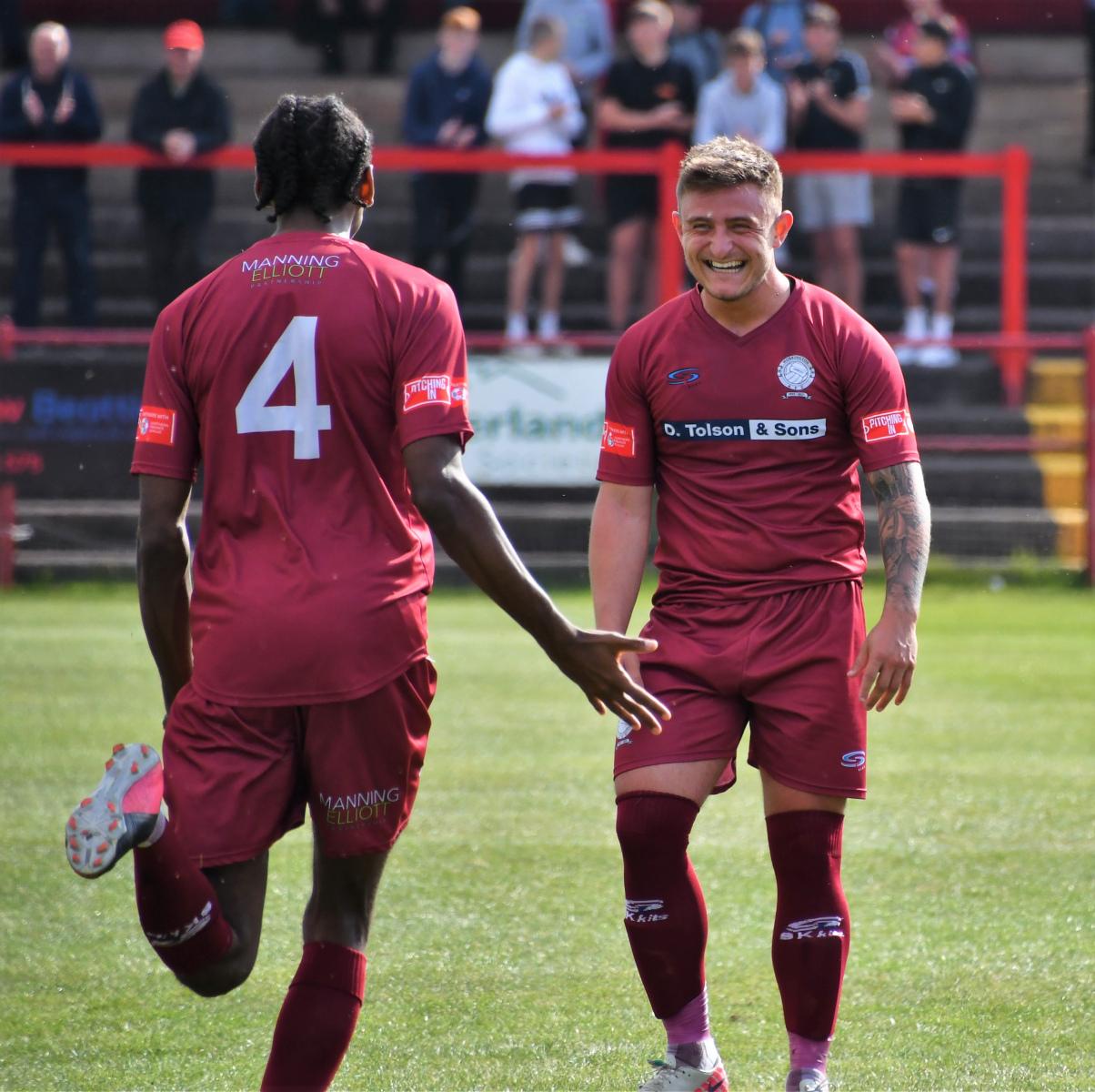 Dav-Symington-celebrates-his-goal-Ben-Challis