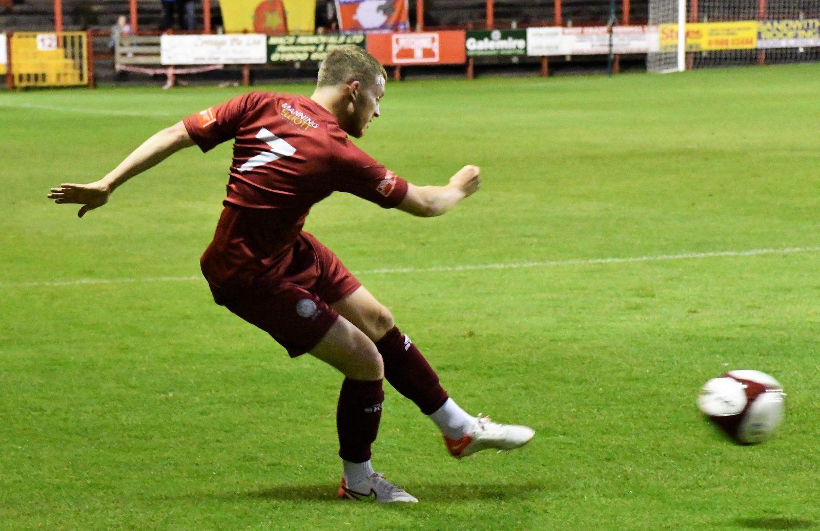 The-only-goal-from-Rowan-Roache-Ben-Challis